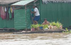 images/Fotos/Reisen/Kambodscha/thumbs//farbpsektrum-hausboot.jpg