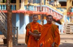 images/Fotos/Reisen/Kambodscha/thumbs//farbspektrum-buddhisten.jpg